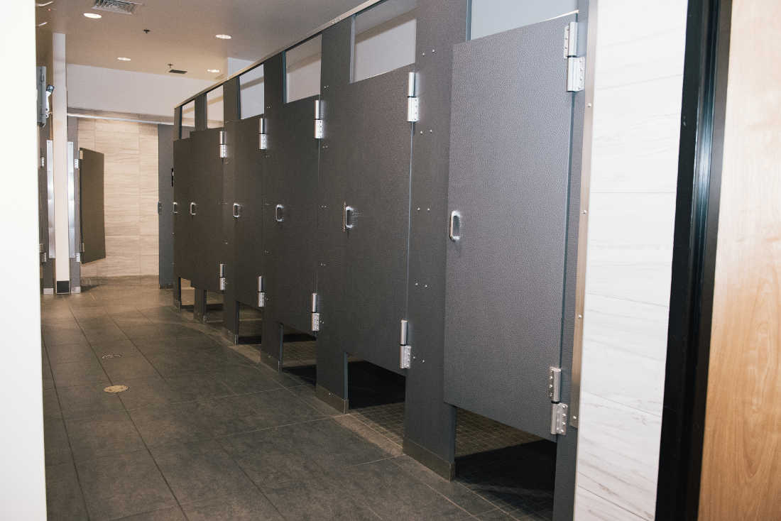 Mens Locker Room Photo 1